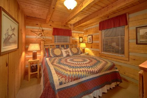 Private King Bedroom in 2 bedroom cabin - Just Barely Making It