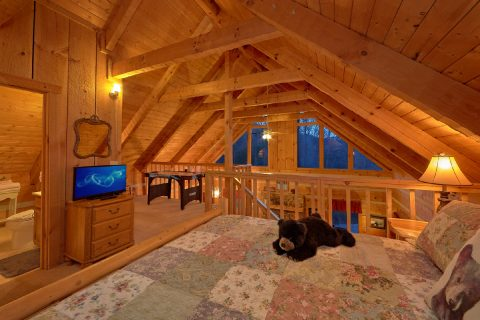 2 bedroom Cabin with Loft King Bedroom - Just Barely Making It