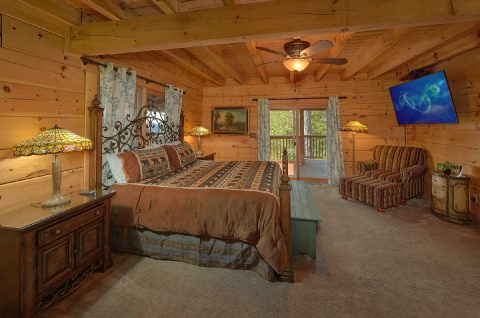 6 Bedroom Cabin with Main Floor Master Bedroom - KenKnight's Wilderness Lodge