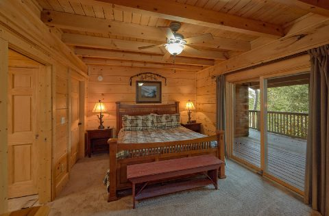 Beautiful 6 Bedroom 6 Bath Cabin Sleeps 18 - KenKnight's Wilderness Lodge