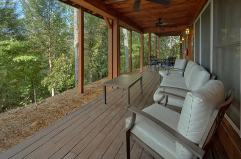 Spacious Out Door Seating 6 Bedroom Cabin - KenKnight's Wilderness Lodge