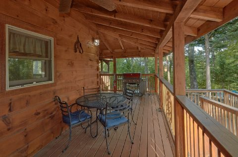 Wrap Around Deck 6 Bedroom Cabin Sleeps 18 - KenKnight's Wilderness Lodge