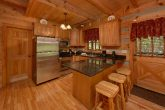 Spacious wears valley cabin with full kitchen