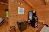 1 Bedroom cabin with arcade games and pool table