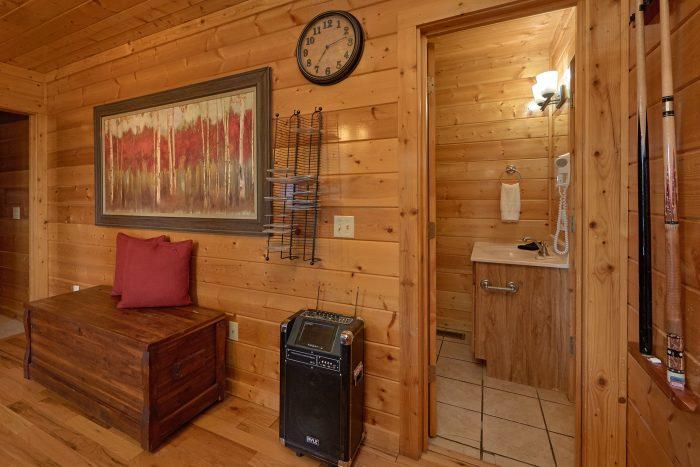 4 Bedroom Cabin with Jukebox and Karaoke - Knockin' On Heaven's Door