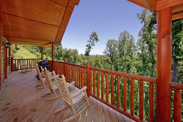 Premium Resort Cabin with Views from Deck - Knockin' On Heaven's Door