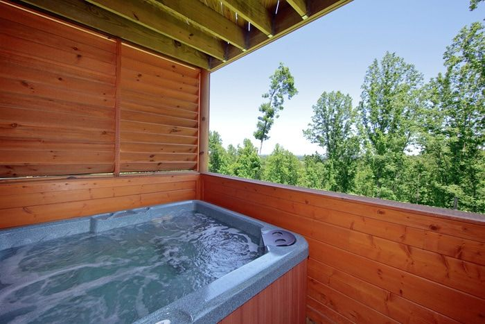Luxury Cabin with Hot Tub and Resort Pool - Knockin' On Heaven's Door