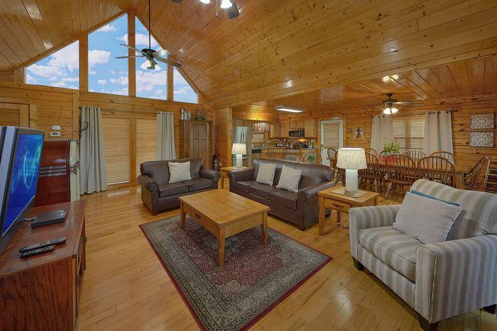 Premium 4 Bedroom Cabin in Hidden Springs - Knockin' On Heaven's Door