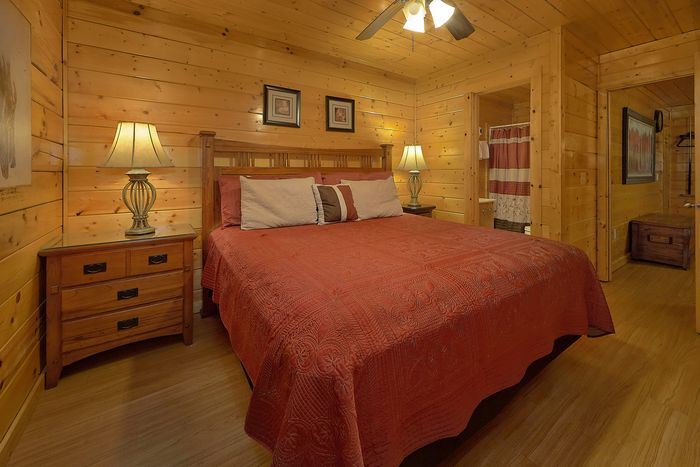 4 Bedroom Cabin in Hidden Springs Resort - Knockin' On Heaven's Door