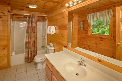 1 Bedroom Cabin with 2 Bathrooms - Knotty and Nice