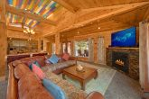 Luxurious Gatlinburg 4 Bedroom Cabin Sleeps 8