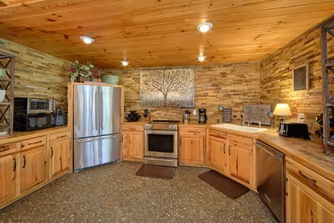 Beautiful 4 Bedroom Cabin Sleeps 8 Gatlinburg - La Dolce Vita