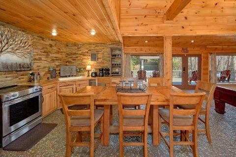 Spacious Kitchen and Dining Room Sleeps 8 - La Dolce Vita