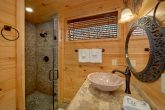 Gatlinburg 4 Bedroom Cabin with 4 Master Suites