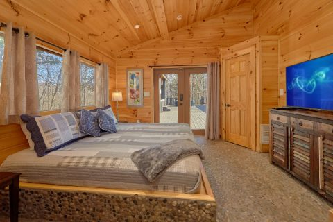 Comfortable 4 Bedroom Cabin Sleeps 8 - La Dolce Vita
