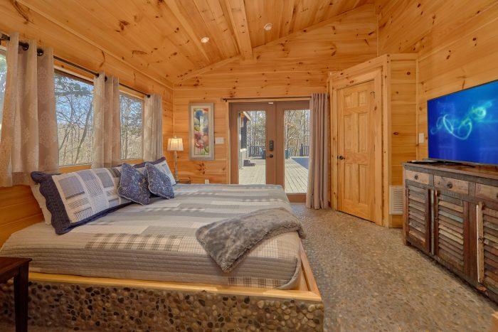 Comfortable 4 Bedroom Cabin Sleeps 8 - La Dolce Vita