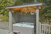 Private Hot Tub 4 Bedroom Cabin Sleeps 8