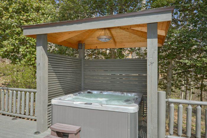 Private Hot Tub 4 Bedroom Cabin Sleeps 8 - La Dolce Vita