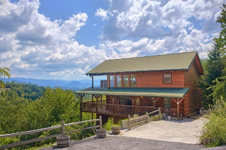 Amazing View: 3 Bedroom Sevierville Cabin Rental