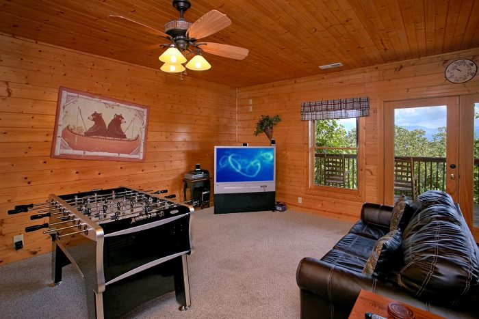 Luxury 3 Bedroom Cabin with Large Game Room - Lasting Impression