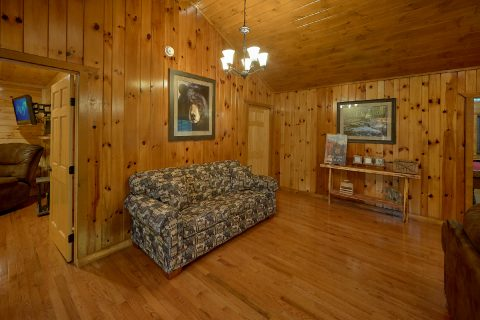 Gatlinburg cabin rental that sleeps 14 - Laurel Manor