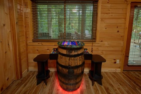 Gatlinburg Cabin with Arcade Game in Game Room - Laurel Manor