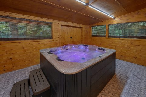 4 Bedroom Gatlinburg Cabin with Private Hot Tub - Laurel Manor