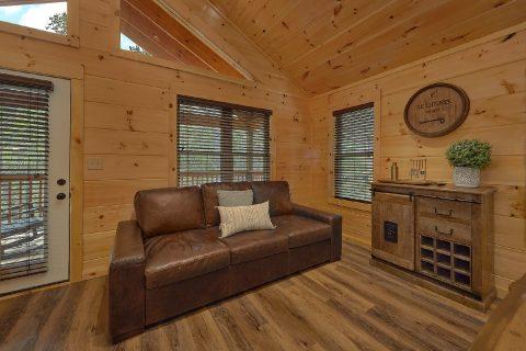 2 bedroom cabin with couch in game room - Laurel Splash