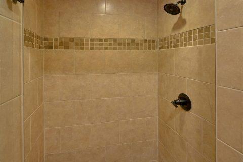Premium 2 bedroom cabin with 2 Master baths - Laurel Splash