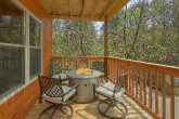 Luxurious 2 bedroom cabin with fire pit on deck