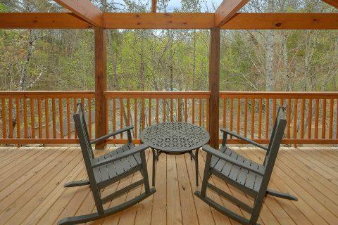 2 bedroom luxury cabin with 3 covered decks - Laurel Splash