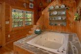 1 Bedroom Cabin with Indoor Jacuzzi Tub