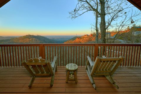 Featured Property Photo - Lazy View Lodge
