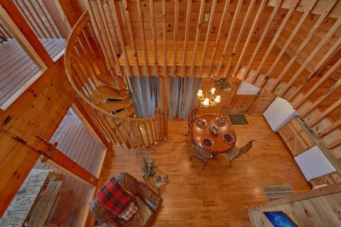 2 Bedroom 2 Bath 2 Story Cabin Sleeps 7 - Lazy View Lodge