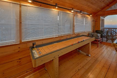 Shuffle Board and Pool Table 2 Bedroom - Lazy View Lodge