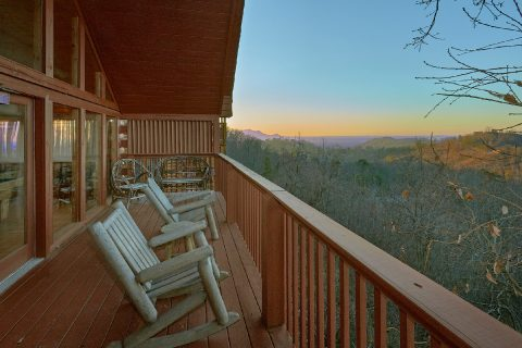 Spectacular Views 2 Bedroom Cabin - Lazy View Lodge