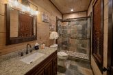 5 Bedroom 5 Bath Cabin Walk in Showers