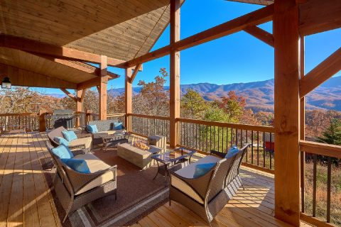 Cobbly Nob Luxury 5 Bedroom Cabin Sleeps 14 - LeConte Views
