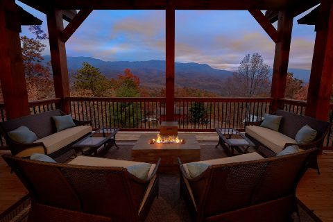 Spectacular Views 5 Bedroom Cabin LeConte Views - LeConte Views