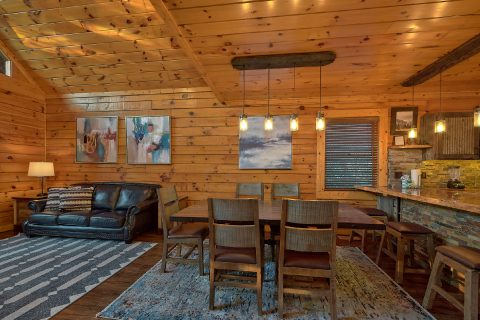 Smoky Mountain Cabin Sleeps 13 Near Pigeon Forge - LeConte Waters