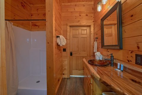Smoky Mountain 4 Bedroom Cabin Sleeps 13 - LeConte Waters