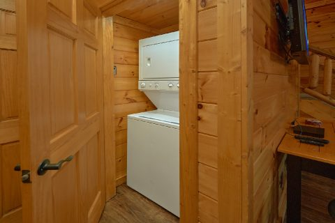 Luxury 4 Bedroom Cabin with Private Pool - LeConte Waters
