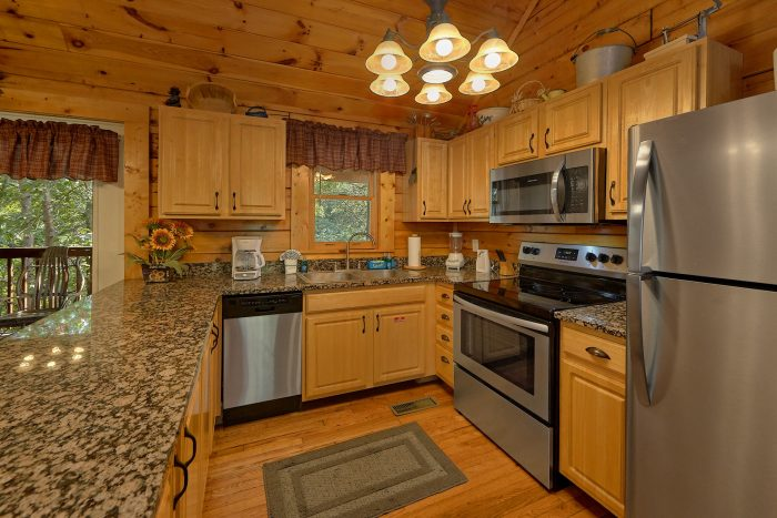 Main Floor Master Bedroom 2 Bedroom Cabin - Lil Country Cabin