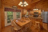Spacious 2 Bedroom Cabin Sleeps 6