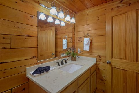 Main Floor Master Bathroom - Lil Country Cabin