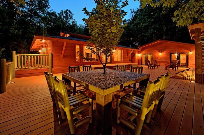 Gatlinburg 4 Bedroom CAbin Large Deck Space - Lil Country Cabin