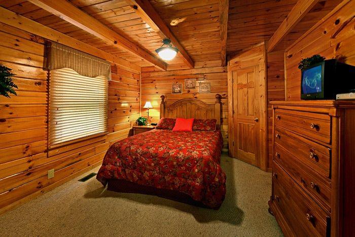 Cabin with Queen Bedroom - Little Cove Hideaway