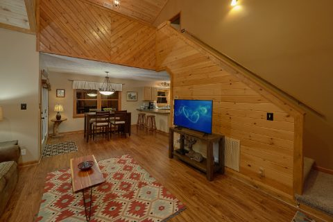 2 Bedroom Gatlinburg Cabin with Sleeper Sofa - Little Wren
