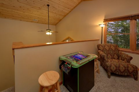 Gatlinburg Cabin with Game Room and Arcade Game - Little Wren