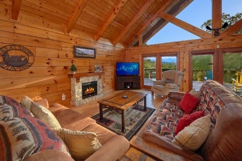 3 Bedroom 3 Bath Cabin Sleeps 10 - Livin' Lodge